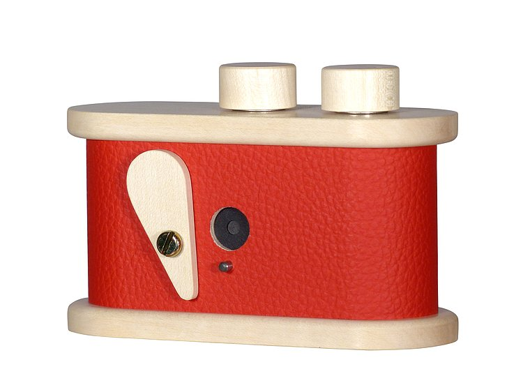 Bild 1 - LEROUGE 135 Pinhole Camera made of wood (red)