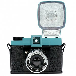 LOMO Lomography Diana F + Package